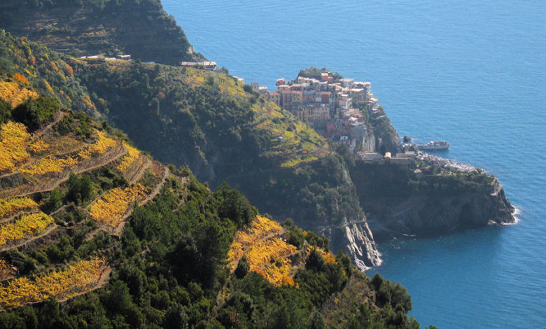 Photo of Cinque Terre, multe salate ai turisti in infradito sui sentieri