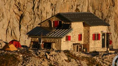 Photo of Gran Sasso, alpini ripristinano sentiero e sanificano rifugio Franchetti