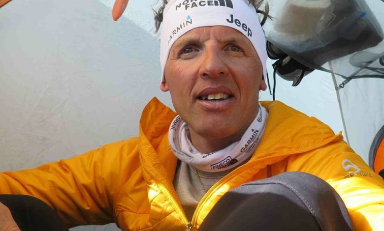 Photo of Simone Moro apre all'invernale al K2