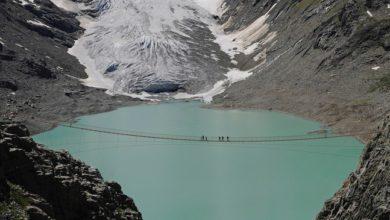 Photo of Il ponte del Trift sulle Alpi svizzere: 170 metri di avventura sul ghiacciaio