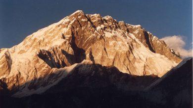 Photo of Ueli Steck e Colin Haley ripetono il pilastro sud del Nuptse. Ma in stile alpino