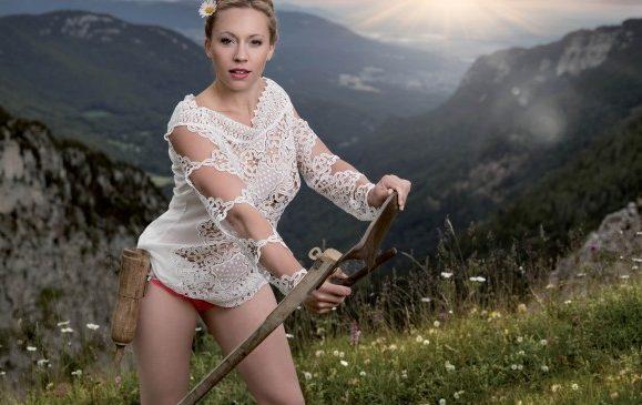 Lara Bingle nackt, Oben ohne Bilder, Playboy Fotos, Sex Szene