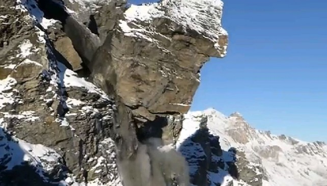 Photo of L'incredibile video di una gigantesca frana in Svizzera