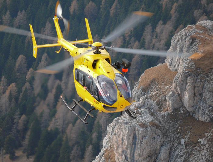 Un elicottero dell'elisoccorso provinciale.