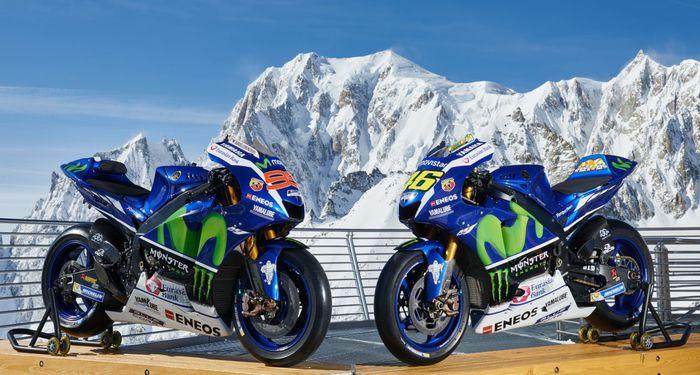Moto Yamaha su Skyway Monte Bianco (foto di Guido De Bortoli)