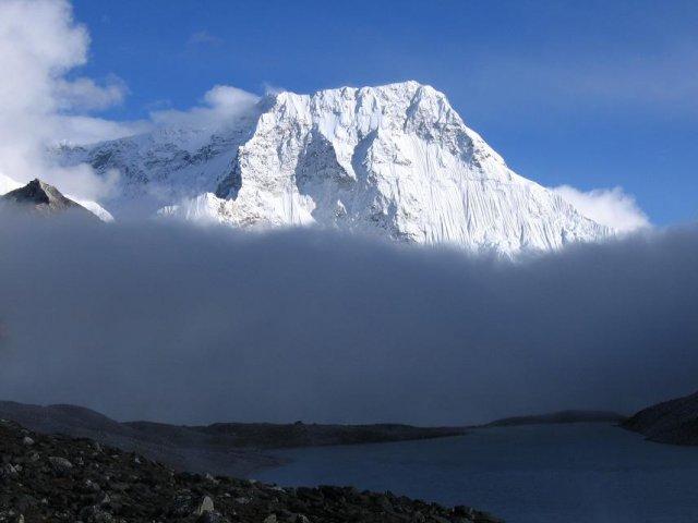 chamlang peak