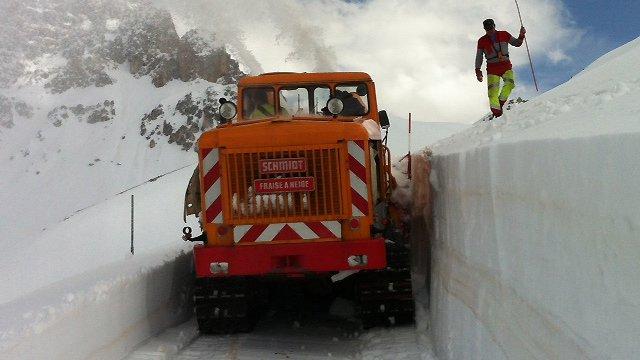 Photo of Via la neve dal Passo di Marco Pantani
