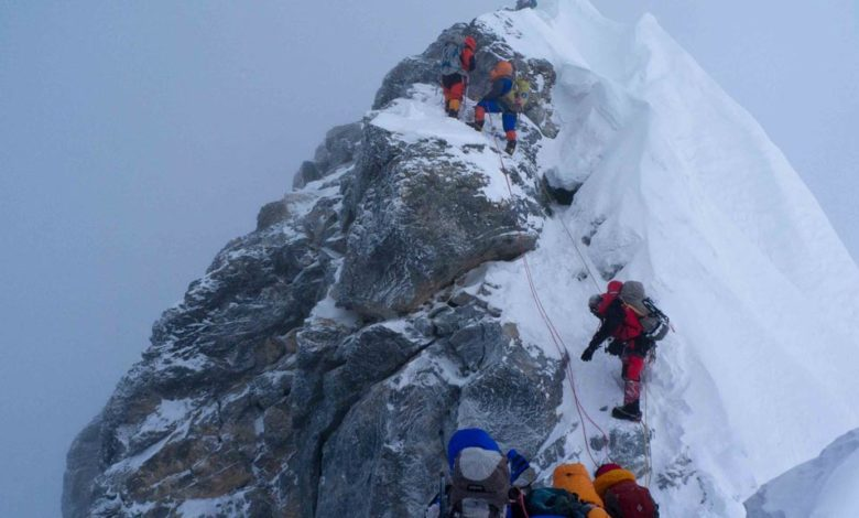 Photo of Everest, il Nepal va per le lunghe sulle regole più rigide