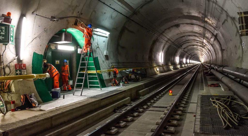 tunnel alptransit san gottardo