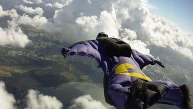 Photo of Base jumper si lancia dall'Aiguille du Midi (3.800 mt) e si schianta contro una casa