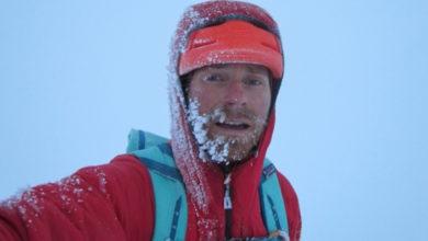 Photo of Colin Haley in solitaria sul Foraker per l'Infinite Spur