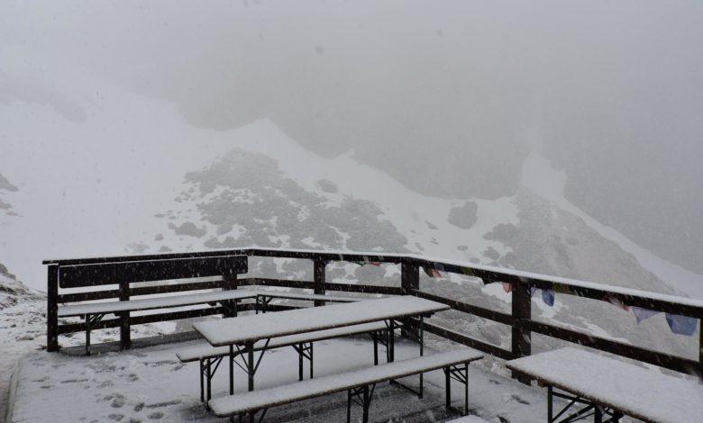 Photo of Torna la neve sul massiccio del Gran Sasso