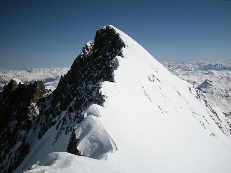 Incidente sul Bernina: gravi due italiani, morta guida alpina