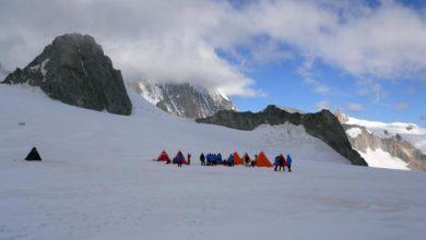 Photo of Scienziati su Monte Bianco prima di partire per l'Antartide