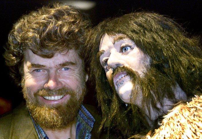 "STEP00062966865A EXP03 - 20000629 - HANOVER, LOWER SAXONY, GERMANY : Italian extreme mountain climber Reinhold Messner (l) poses face to face with a replica of the Oetzi mummy at the Expo 2000 in Hanover Thursday 29 June 2000. Messner presents the exhibition ""Yeti - MOunt & Mystery"" at the expo, where visitors are introduced into the ""secrets of the world of the mountains"" via exhibits and info boards.  (ELECTRONIC IMAGE)  EPA PHOTO DPA/RAINER JENSEN"