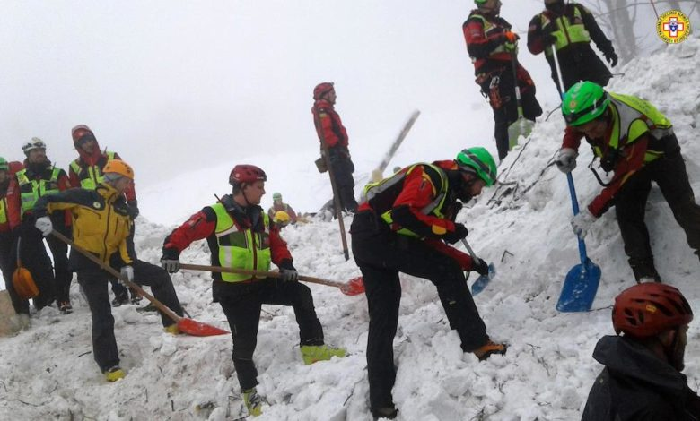Photo of Gran Sasso, valanga Hotel Rigopiano: estratti tutti i morti (29, 11 salvi)