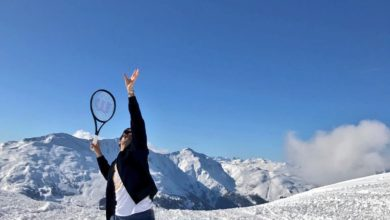 Photo of Roger Federer festeggia Australian Open in montagna