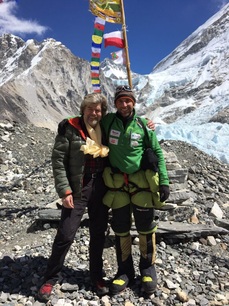 2017 03 07 - Reinhold Messner y Alex Txikon en el Campo Base del Everest