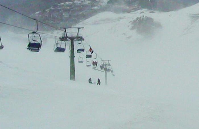 Tromba d'aria nel Cuneese, soccorsi sciatori su seggiovia
