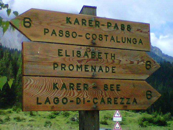 Toponomastica: una segnaletica in Alto Adige.