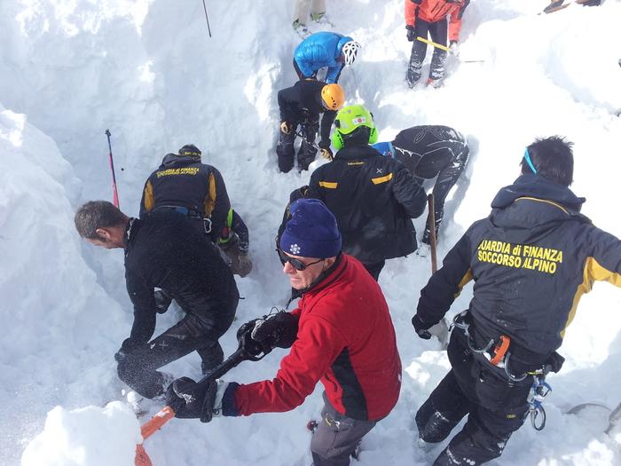 Aosta: valanga Testa dei Fra' (foto della guardia di finanza di Entreves)