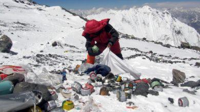 Photo of Everest chiuso per Covid-19. È l'ora delle grandi pulizie?