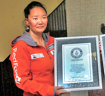 Lhakpa Sherpa pose for a photo after being felicitated in Kathmandu on Friday, May 27, 2016. Photo: THT
