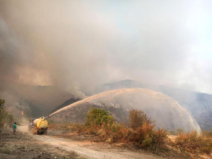 The vast fire on Mount Morrone near Sulmona, Abruzzo Region, Italy, 28 August 2017. ANSA/GRETA FRANCO