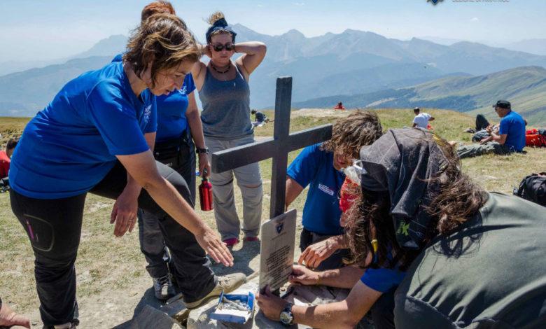 Photo of Targa su monte Gorzano in ricordo delle vittime del terremoto