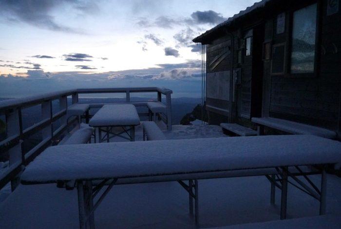 "Photo of Prima neve sul Gran Sasso: ""Evitate i Due Corni"""