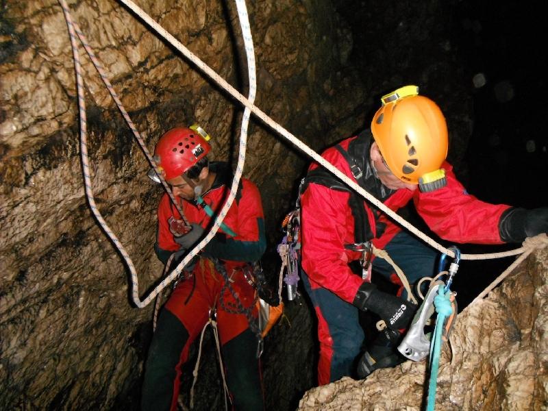 soccorso alpino speleologia
