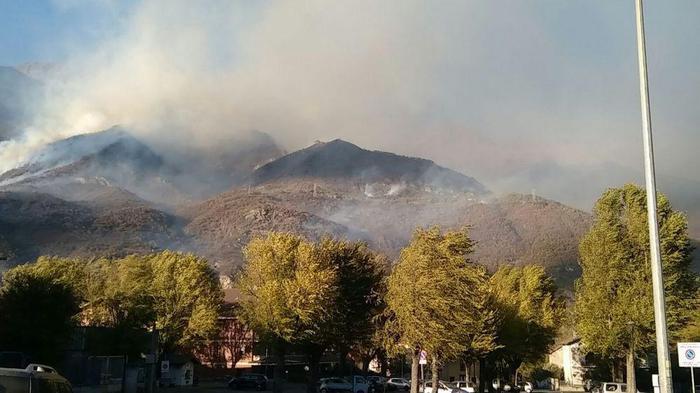 Incendi: fiamme in Valle di Susa, evacuate alcune borgate