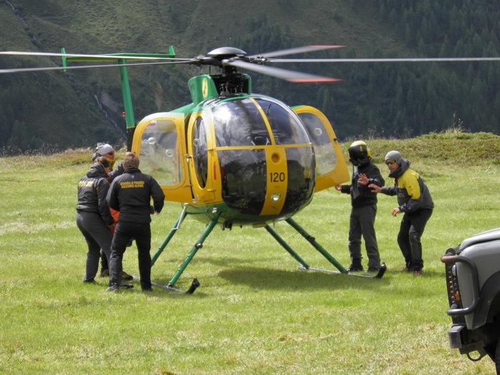 Bolzano - Elicottero guardia di finanza soccorso alpino Alto Adige.