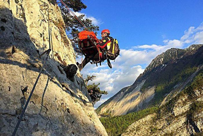 Photo of Piccole Dolomiti: alpinisti scivolano sul Monte Zevola, uno è grave