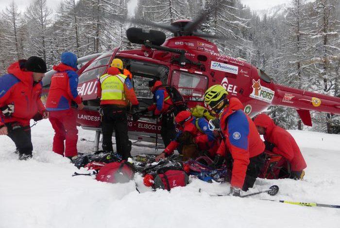 Photo of Precipita su cascata di ghiaccio, italiano morto nei Grigioni