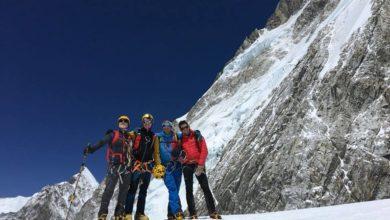 Photo of L'austronauta Maurizio Cheli in vetta all'Everest