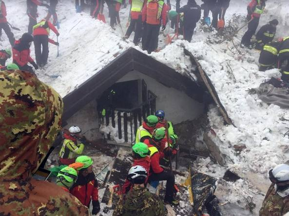 Photo of Due anni fa la valanga su Hotel Rigopiano: 29 morti. Le inchieste