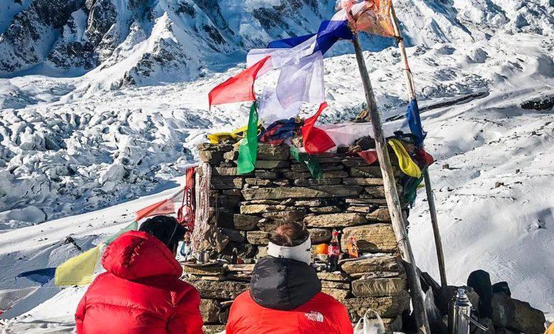 Photo of Simone Moro, con la Puja inizia la scalata al Manaslu