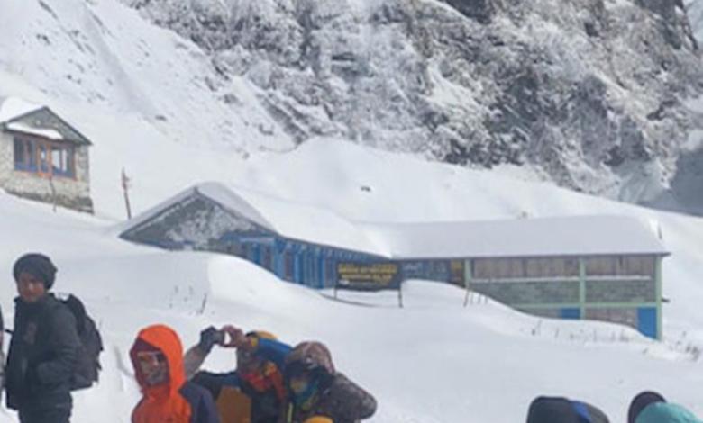 Photo of Valanga sulla via per l'Annapurna, ci sono dispersi