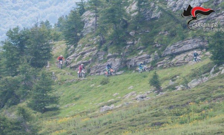 Photo of In moto su sentiero di montagna, arrivano le multe