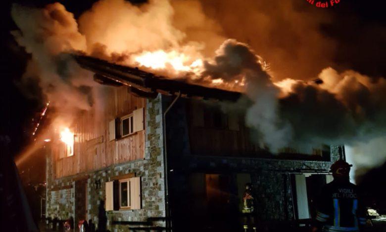 Photo of Incendio distrugge il Rifugio Loa in Valcamonica