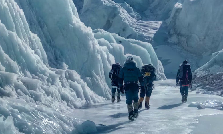 Photo of Everest, Alex Txikon riparte verso Ice Fall e C1
