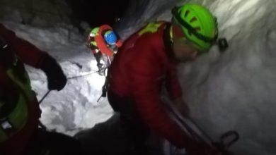 Photo of Cavi nascosti dalla neve, bloccati sulla ferrata