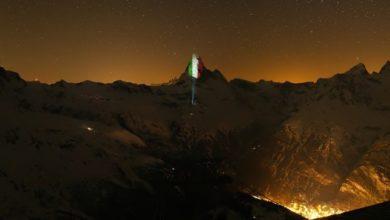 Photo of La Svizzera omaggia l'Italia: Tricolore sul Cervino