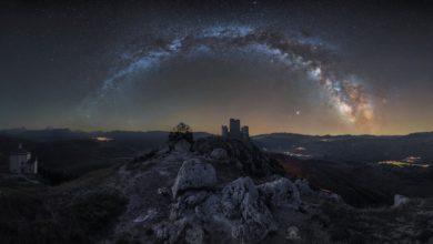 Photo of Rocca Calascio sotto l'arco della Via Lattea