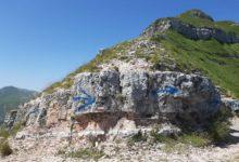 Photo of Sfregio sul Monte Sibilla con bomboletta spray