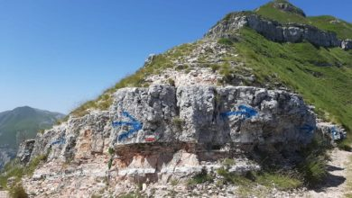 Photo of Sfregio sul Monte Sibilla con bomboletta spray